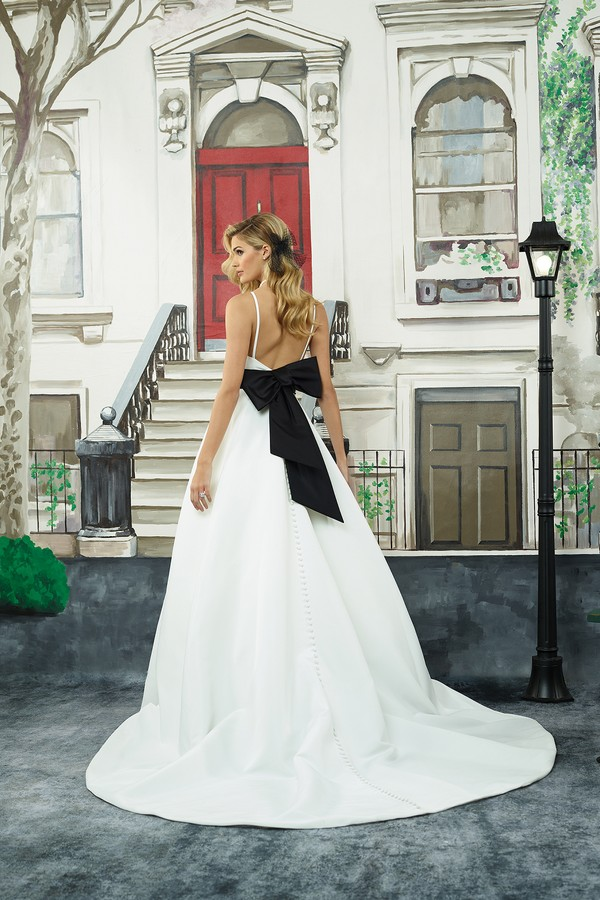 Back of 8946 Wedding Dress from the Justin Alexander Spring/Summer 2018 Bridal Collection