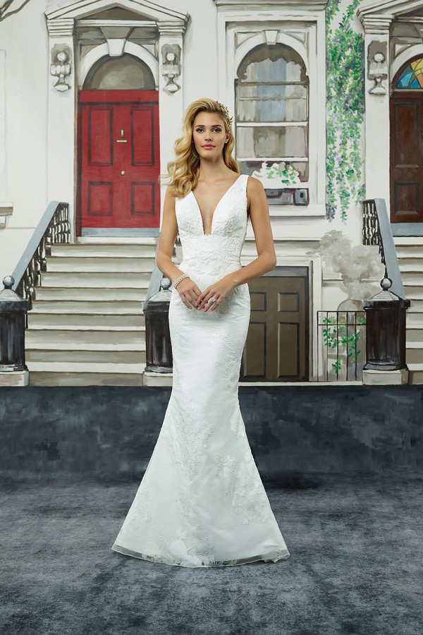 8947 Wedding Dress from the Justin Alexander Spring/Summer 2018 Bridal Collection