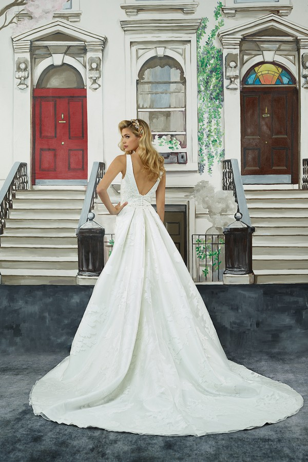 Back of 8947 Wedding Dress with Detachable Train from the Justin Alexander Spring/Summer 2018 Bridal Collection