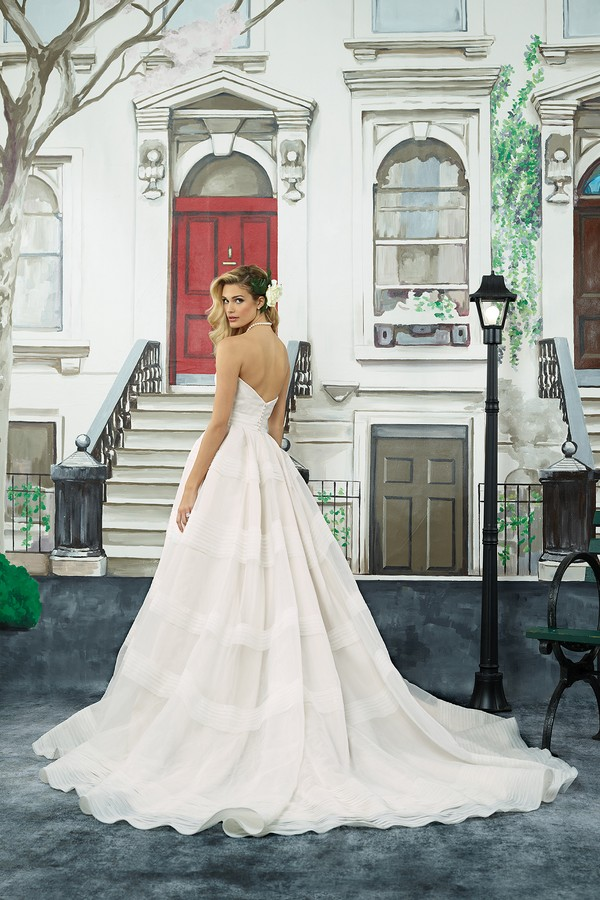 Back of 8949 Wedding Dress from the Justin Alexander Spring/Summer 2018 Bridal Collection