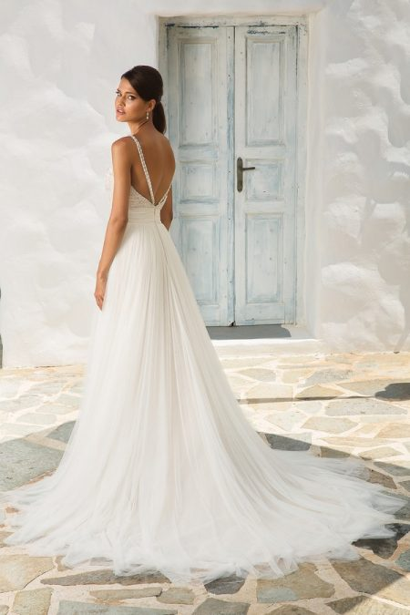 Back of 8956 Wedding Dress from the Justin Alexander Spring/Summer 2018 Bridal Collection