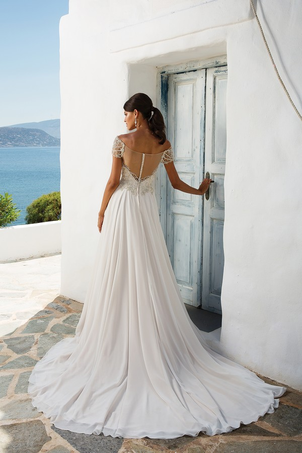 Back of 8957 Wedding Dress from the Justin Alexander Spring/Summer 2018 Bridal Collection