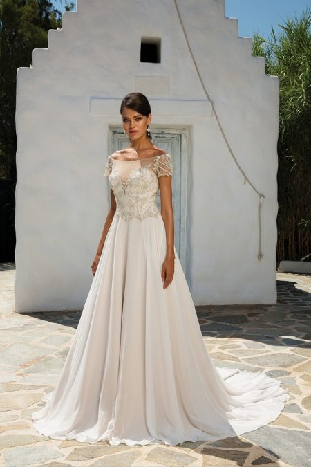 8957 Wedding Dress from the Justin Alexander Spring/Summer 2018 Bridal Collection