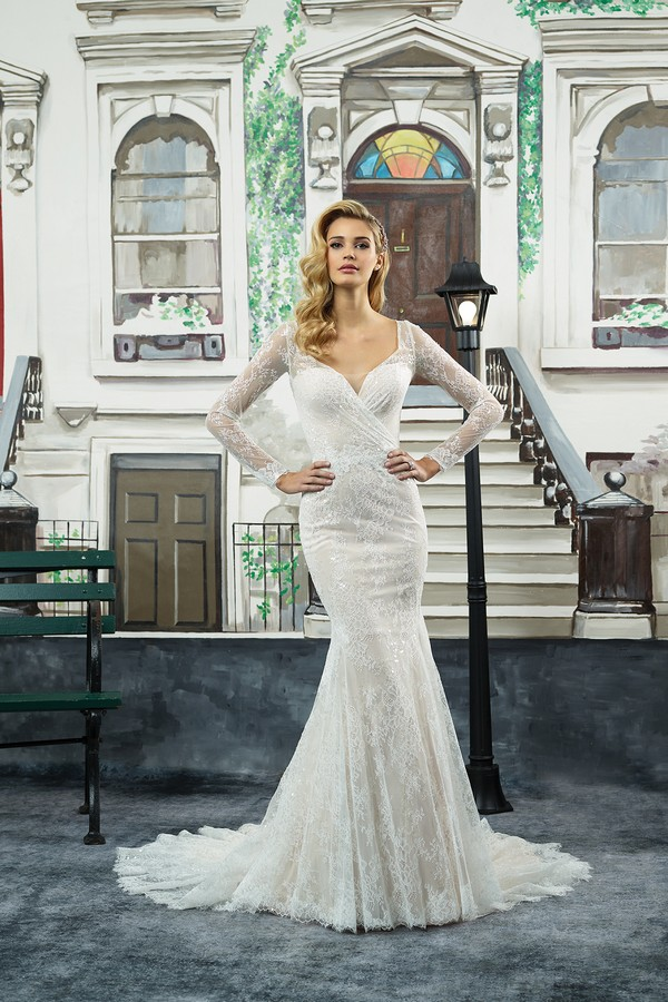 8959 Wedding Dress from the Justin Alexander Spring/Summer 2018 Bridal Collection