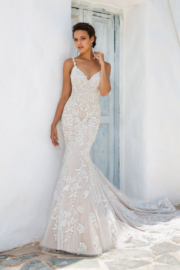 8960 Wedding Dress from the Justin Alexander Spring/Summer 2018 Bridal Collection