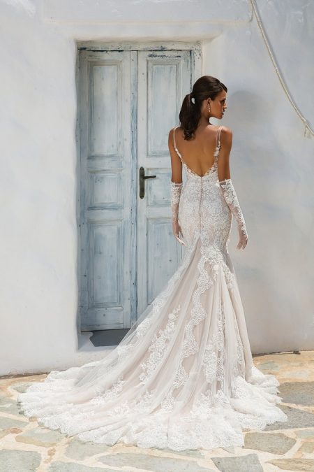 Back of 8961 Wedding Dress from the Justin Alexander Spring/Summer 2018 Bridal Collection