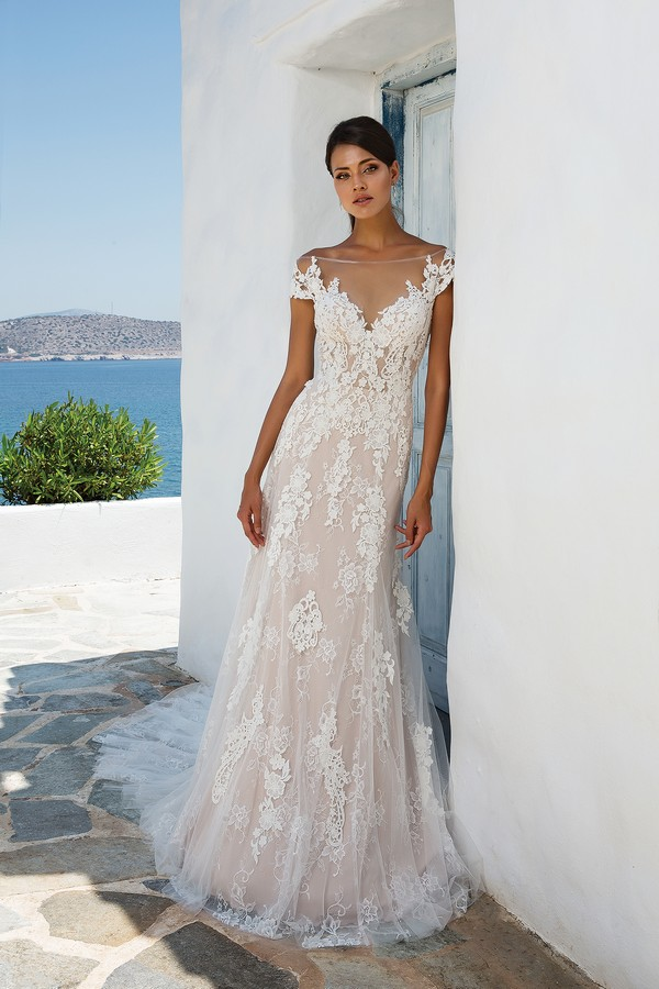8963 Wedding Dress from the Justin Alexander Spring/Summer 2018 Bridal Collection
