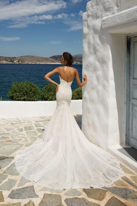 Back of 8967 Wedding Dress from the Justin Alexander Spring/Summer 2018 Bridal Collection