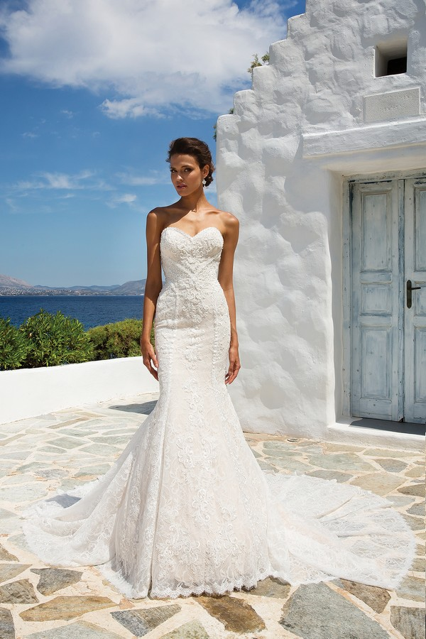 8967 Wedding Dress from the Justin Alexander Spring/Summer 2018 Bridal Collection