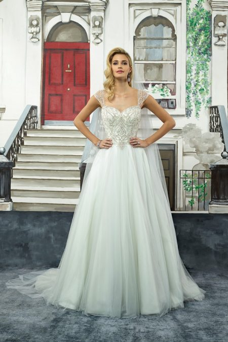 8968 Wedding Dress from the Justin Alexander Spring/Summer 2018 Bridal Collection