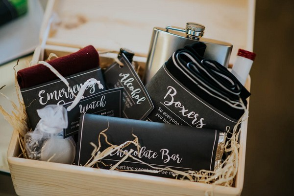 Contents of groom gift box