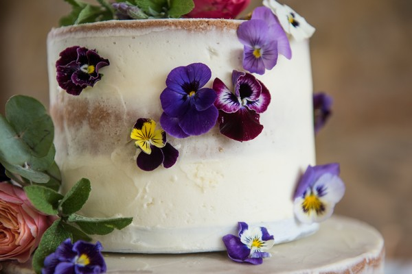 Edible flowers on wedding cake