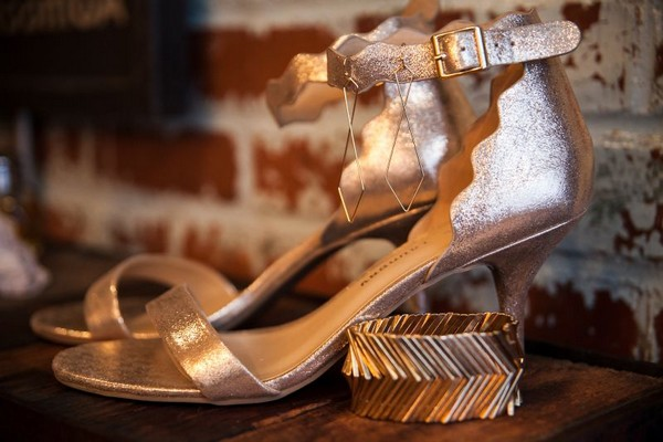 Gold bridal shoes and bracelet