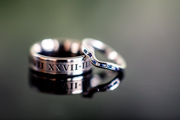 Wedding rings with Roman numeral engraving