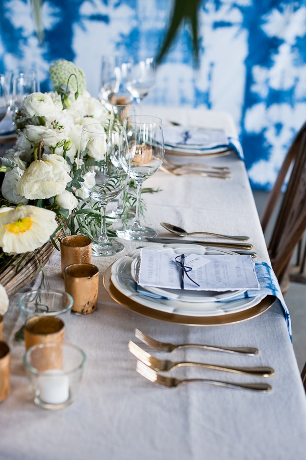 Wedding place setting with gold details