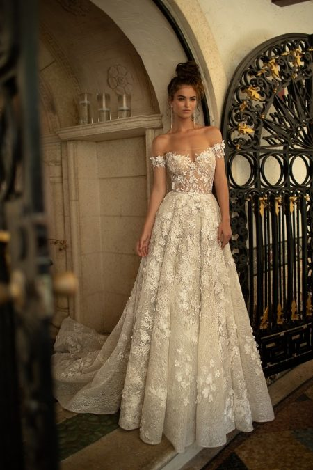 19-02 Wedding Dress from the BERTA Spring/Summer 2019 Bridal Collection