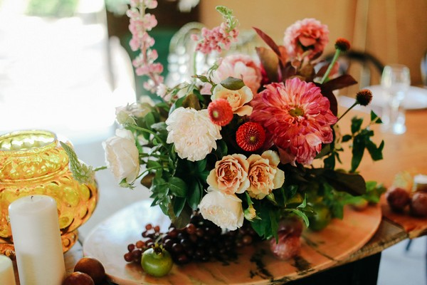 Floral wedding table arrangement