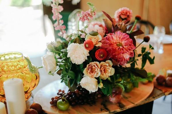 Floral wedding table arrangement