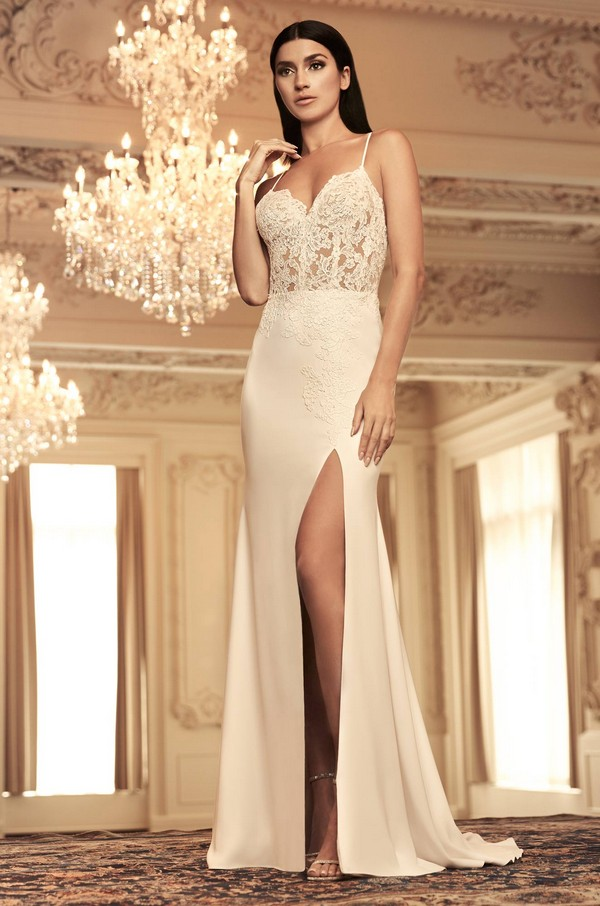 4800 Wedding Dress from the Paloma Blanca Fall/Winter 2018 Bridal Collection