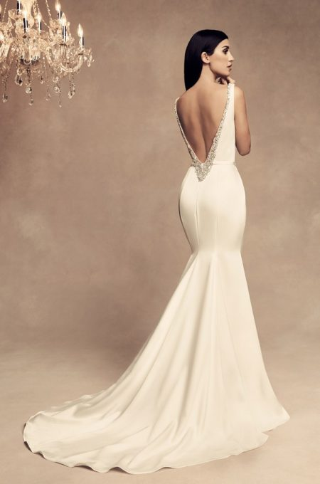 Back of 4801 Wedding Dress from the Paloma Blanca Fall/Winter 2018 Bridal Collection