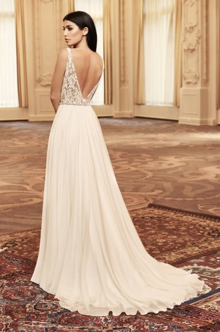 Back of 4808 Wedding Dress from the Paloma Blanca Fall/Winter 2018 Bridal Collection