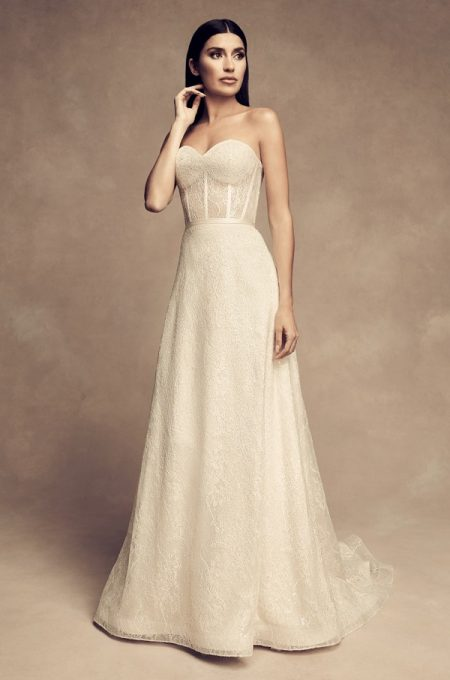 4812 Wedding Dress from the Paloma Blanca Fall/Winter 2018 Bridal Collection