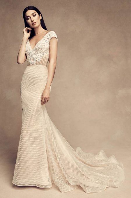 4813 Wedding Dress from the Paloma Blanca Fall/Winter 2018 Bridal Collection