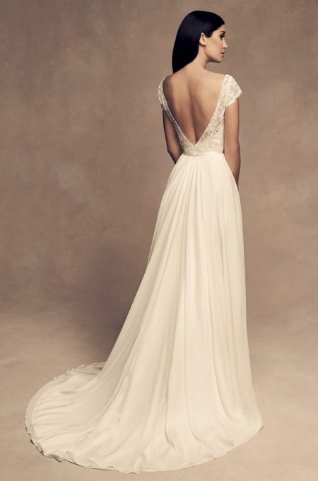 Back of 4816 Wedding Dress from the Paloma Blanca Fall/Winter 2018 Bridal Collection