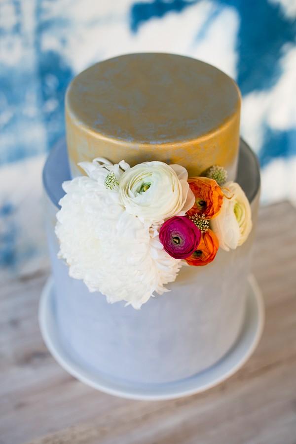 Gold and light blue wedding cake