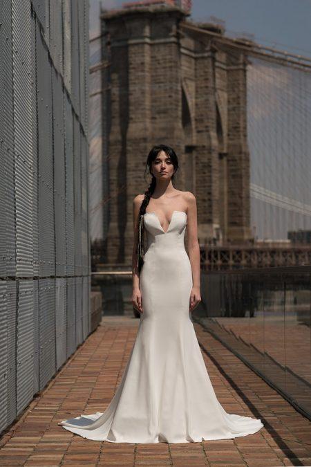 Barton Wedding Dress from the Rita Vinieris Alyne Spring 2019 Bridal Collection