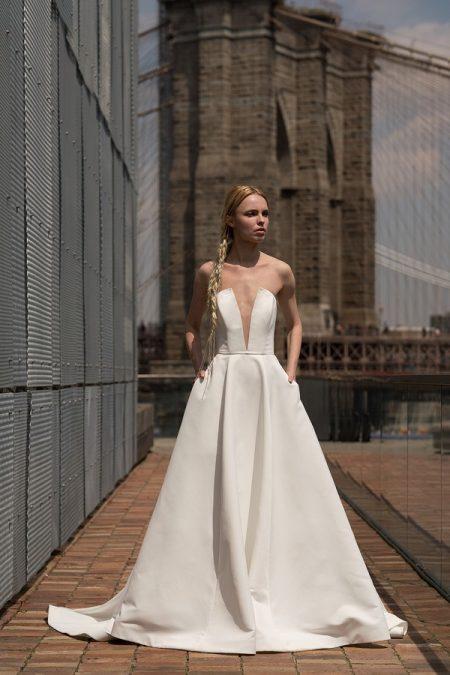 Blanchett Wedding Dress from the Rita Vinieris Alyne Spring 2019 Bridal Collection