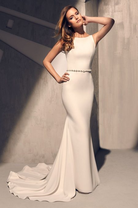 2200 Wedding Dress from the Mikaella Fall 2018 Bridal Collection