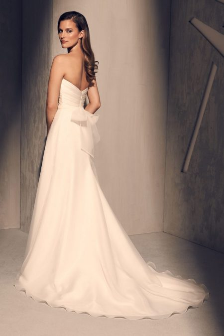 Back of 2213 Wedding Dress from the Mikaella Fall 2018 Bridal Collection
