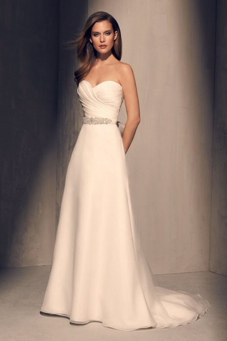 2213 Wedding Dress from the Mikaella Fall 2018 Bridal Collection