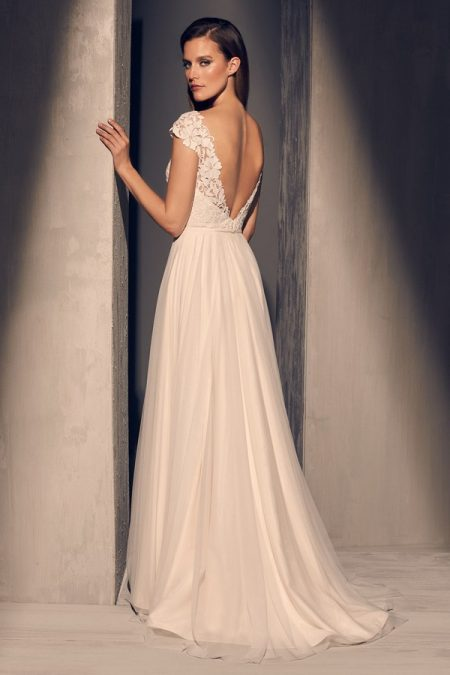 Back of 2216 Wedding Dress from the Mikaella Fall 2018 Bridal Collection