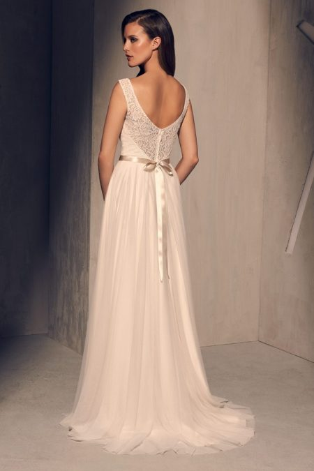 Back of 2219 Wedding Dress from the Mikaella Fall 2018 Bridal Collection