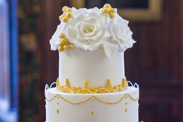 Sugar flowers on top of wedding cake