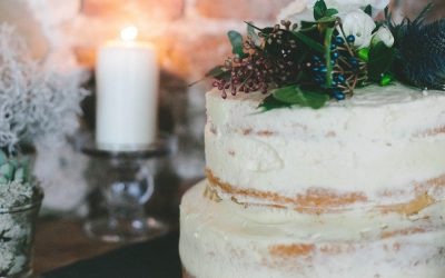 Naked and Semi-Naked Wedding Cakes