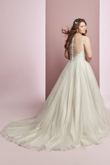 Back of Eliza Jane Plus Size Wedding Dress from the Rebecca Ingram Camille Fall 2018 Bridal Collection