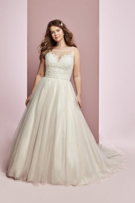 Eliza Jane Plus Size Wedding Dress from the Rebecca Ingram Camille Fall 2018 Bridal Collection