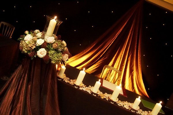 Styling with Coloured Linen in Hotel Wedding Venue