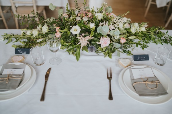 Floral wedding table centrepiece