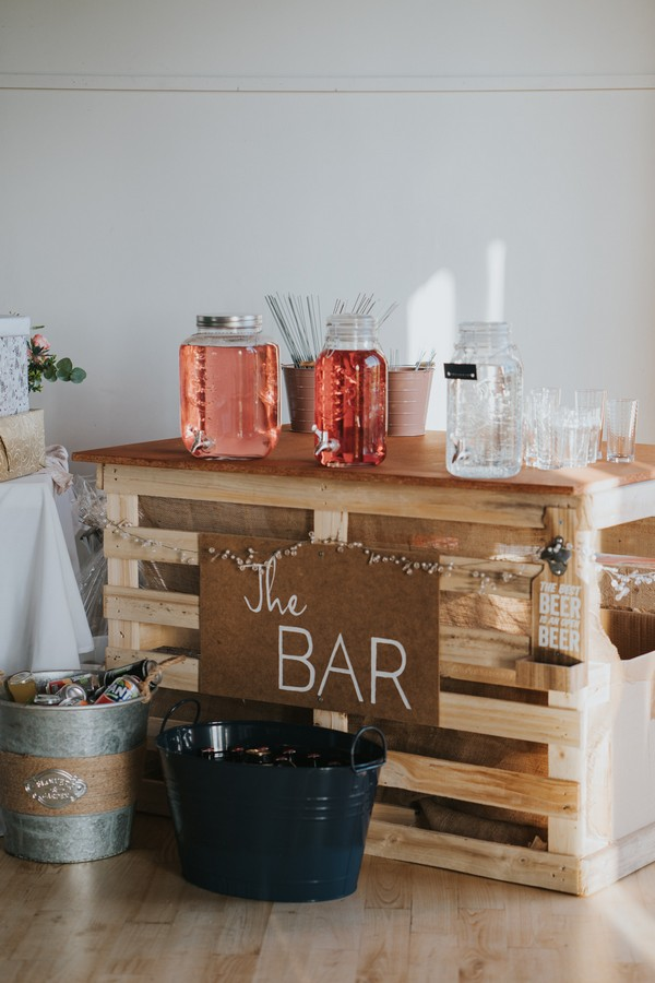 Wedding bar made from pallets