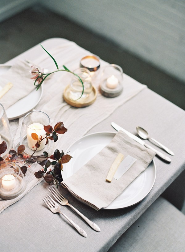 Simple elegant wedding place setting
