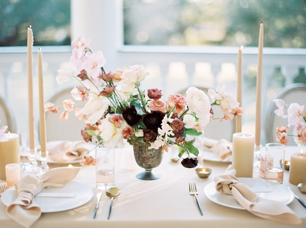 Blush and dark pink wedding table flowers
