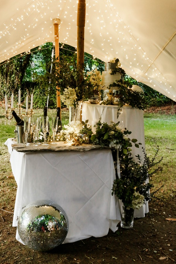 Champagne and cake table
