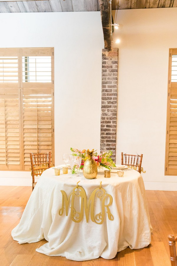 Round top table for bride and groom