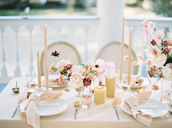 Blush and peach wedding table styling
