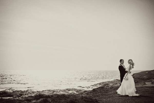 Bride and groom by the sea - Picture by Marianne Taylor Photography