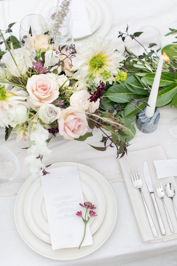 Simple yet elegant wedding place setting